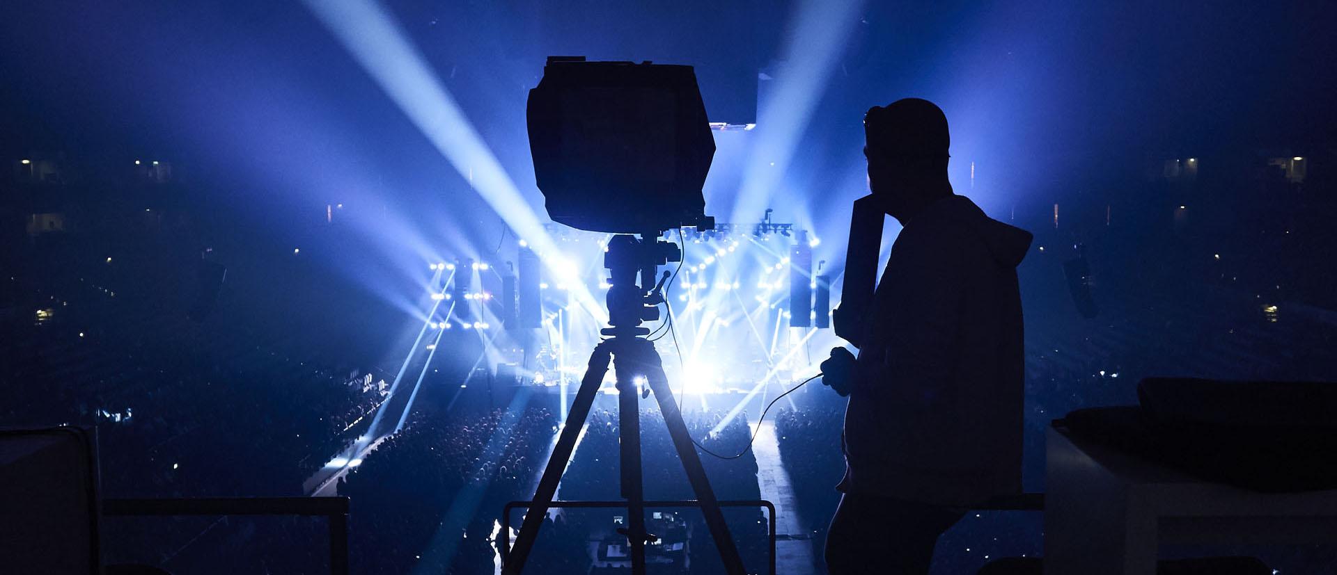 superlatives-photographer-shooting.jpg