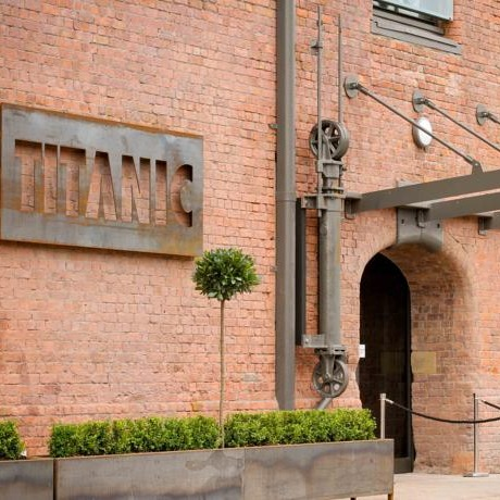 titanic hotel front