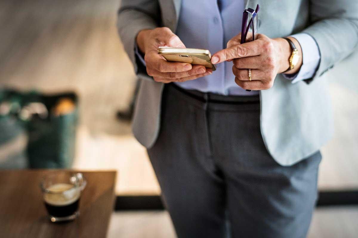 social selling through smartphone