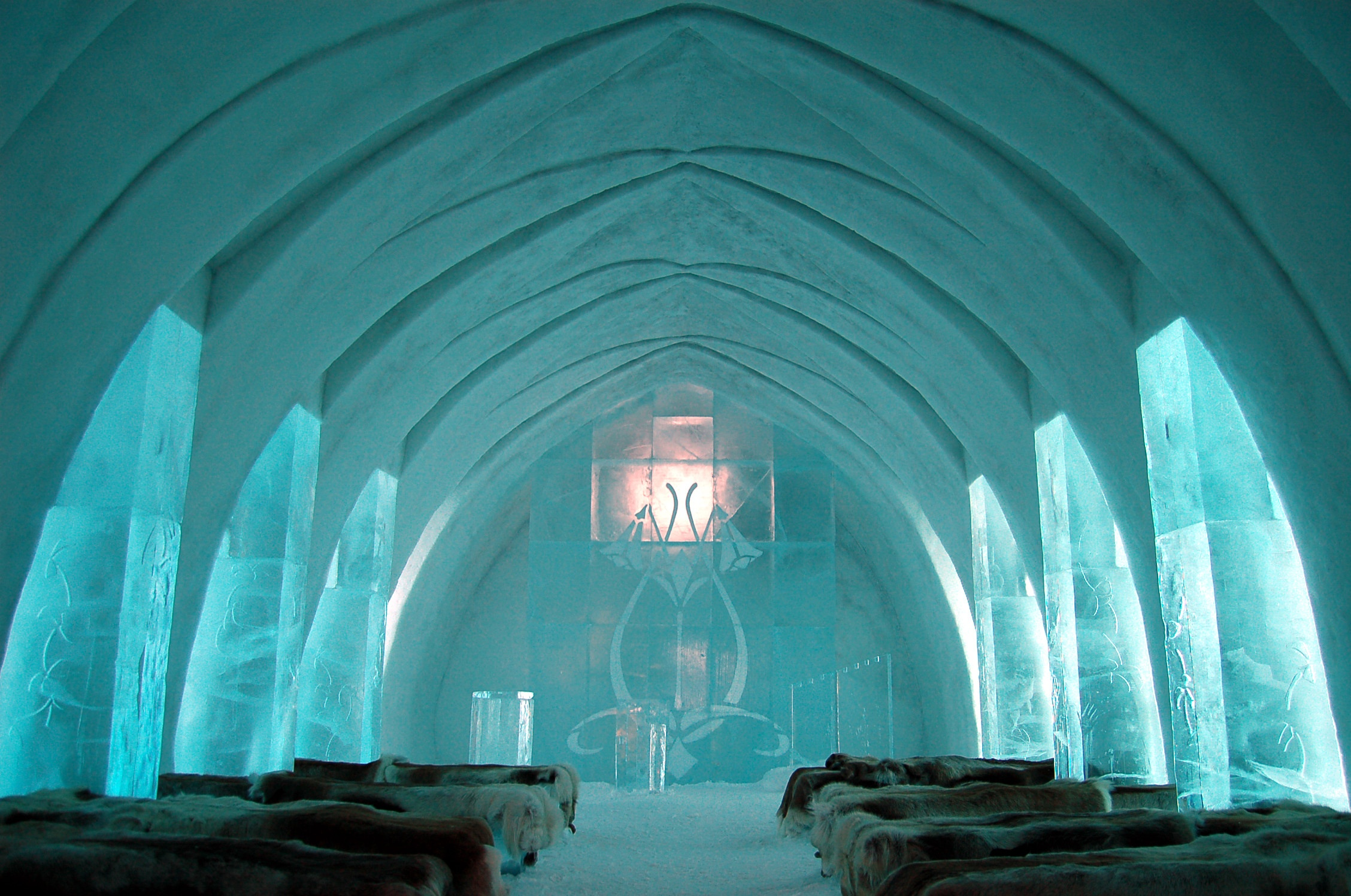 Ice_Hotel_Church_Jukkasjärvi